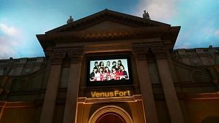 お台場 Venus Fort 教会広場